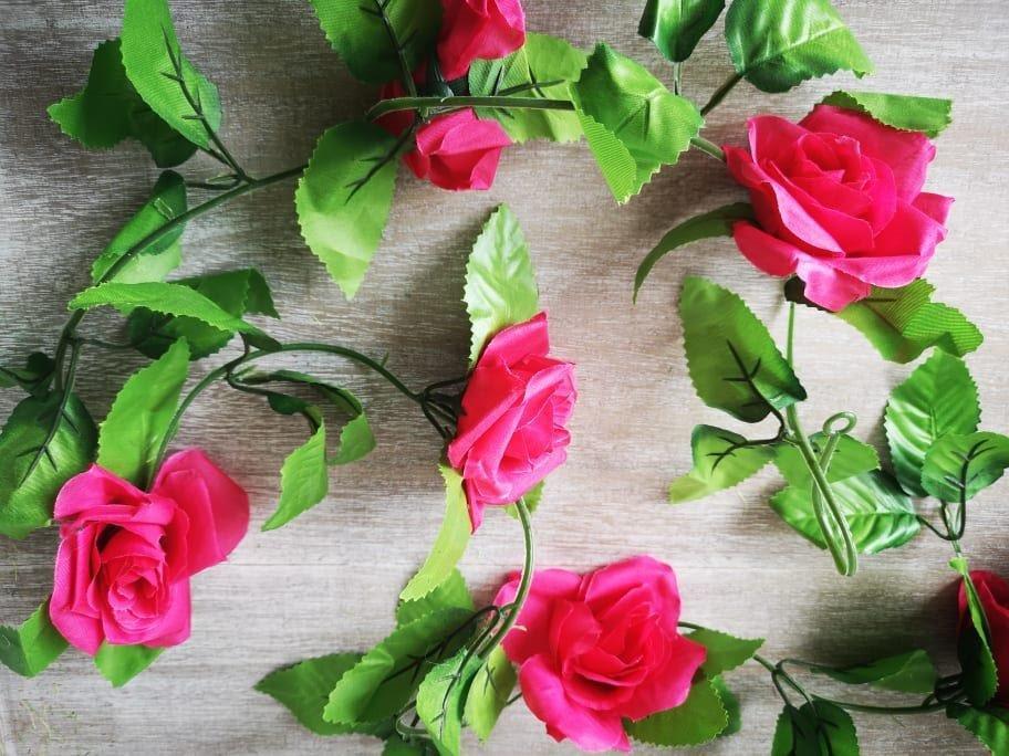 Bright Pink Rose Garland 2.4m brightpinkgarland