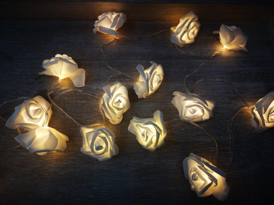 2.4m LED White Rose Garland 2mledwhiterose