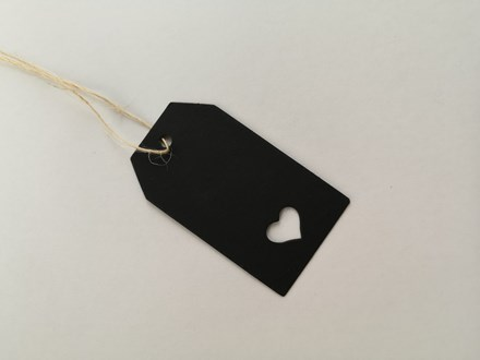 Black Heart Punched Tags 20pcs BGT74