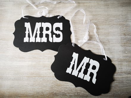Black Mr & Mrs Signs Black-Mr-&-Mrs-Signs