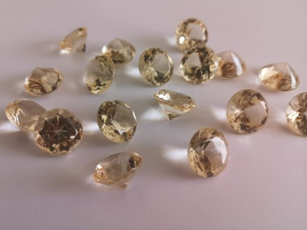 Diamond Scatters Champagne 20mm DCC20