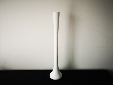 White Eiffel Tower Vase White-Eiffel-Tower-Vase