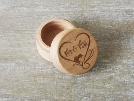 """Mr and Mrs"" Ring Box Mr&MrsRingbox"
