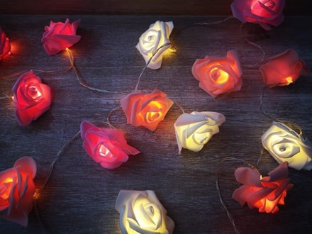 2.4m LED Coloured Rose Garland 2mledcolrose